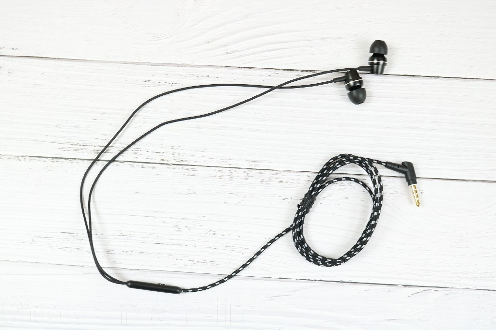 Best Earphone Under 1000 with Mic and Good Bass (March 2020)